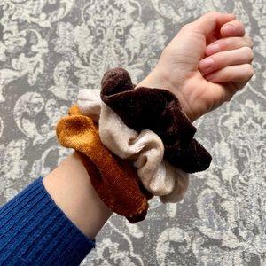 New! Luxurious Autumnal Velvet Scrunchie 3 Set
